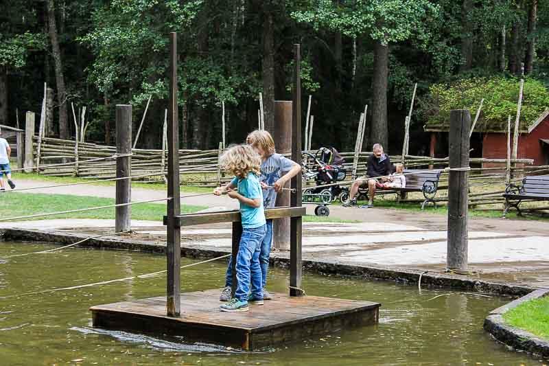 Floß in Astrid-Lindgrens-Welt
