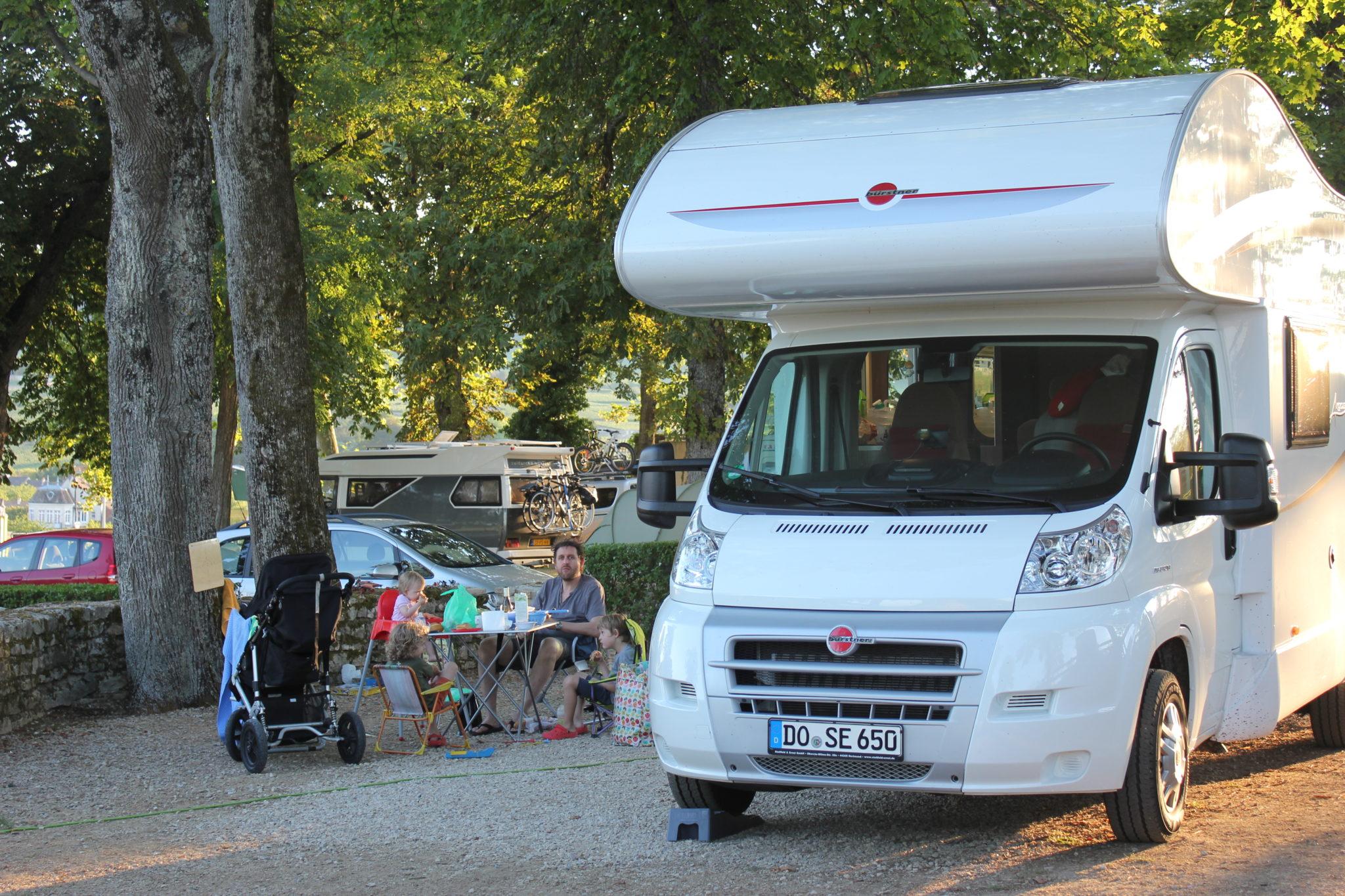 Zeltplatz im Burgund in Frankreich.