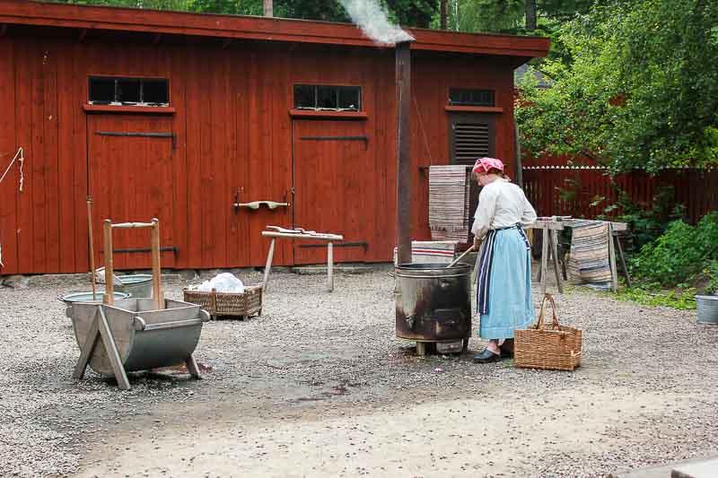 Waschfrau in Gamla Linkoeping