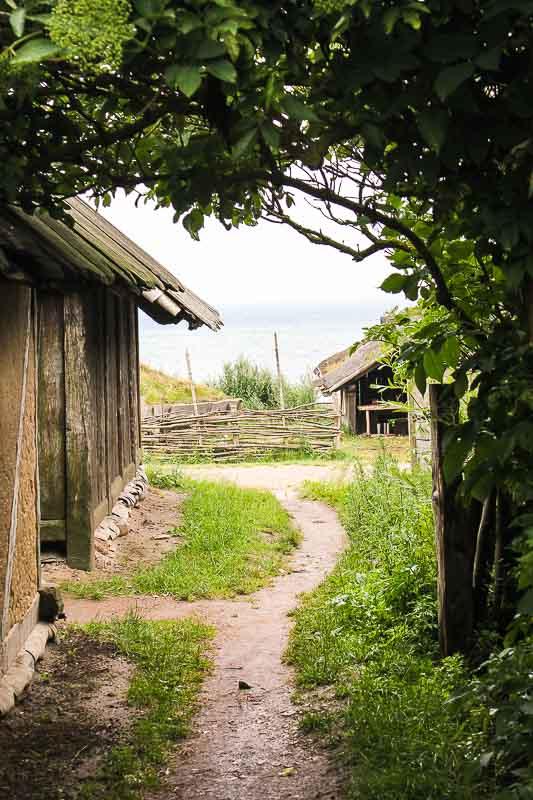 Blick auf Ostsee Wikinger-Museum Foteviken in Schweden
