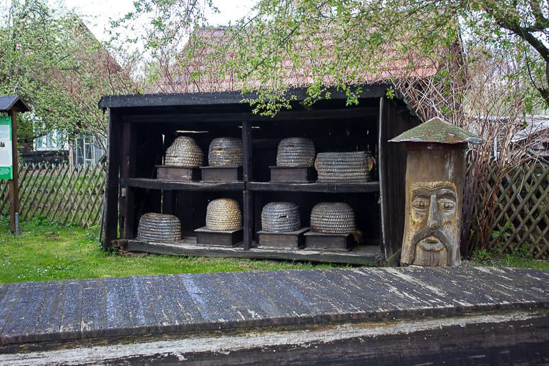 Alte Bienenstöcke im Freilichtmuseum in Lehde.