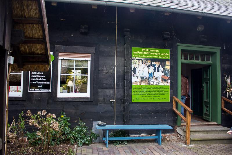 Eingang zum Freilichtmuseum in Lehde im Spreewald.