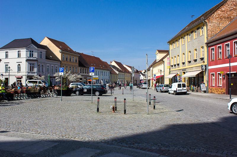 Luebbenauer Marktplatz mit Blick von der Kirche