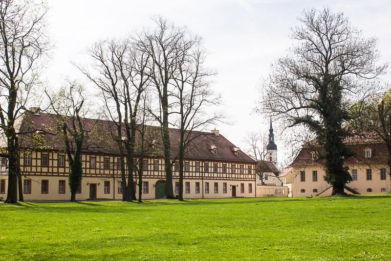 Schlosspark Luebbenau mit Marstall und alter Kanzlei.