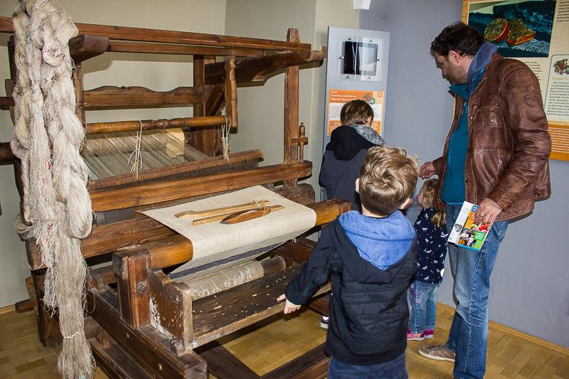 Ein alter Webstuhl im Spreewald-Museum Luebbenau.