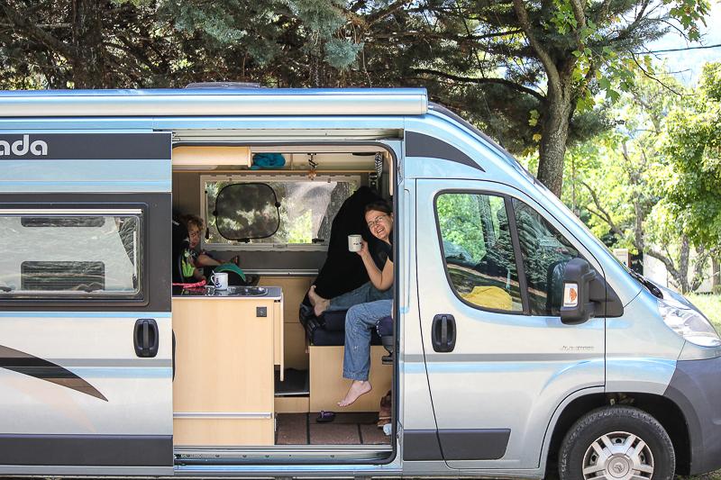 Unser Campingbus auf dem Campingplatz Camping Alpes Dauphiné