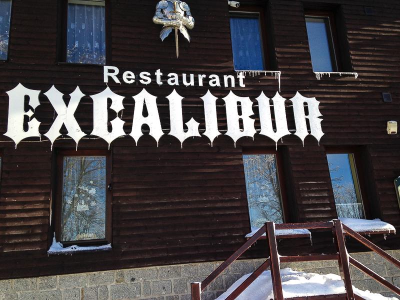 Skiurlaub im Hotel und Restaurant Excalibur in Bozi dar.