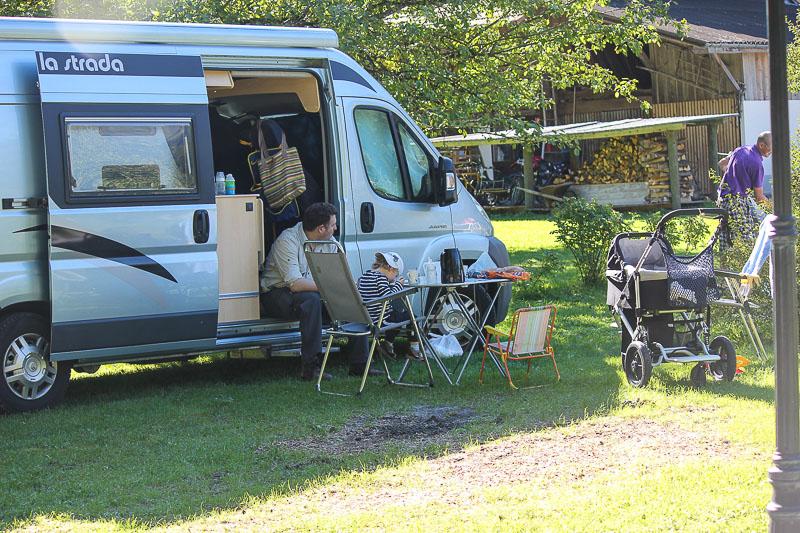 Auf dem Campingplatz Grassi in Frutigen.