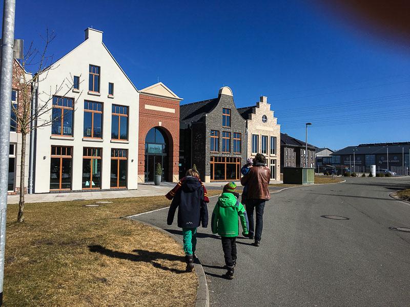 Hübsche neue Fassaden in Leer-Eingang zum Miniaturland