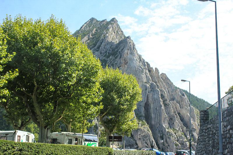 Imposante Felsformationen bei Sisteron.