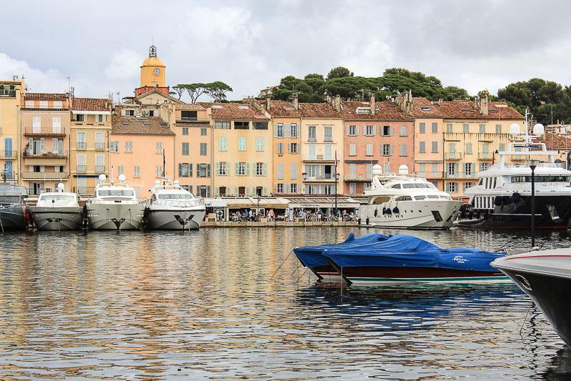 Saint-Tropez in Suedfrankreich.