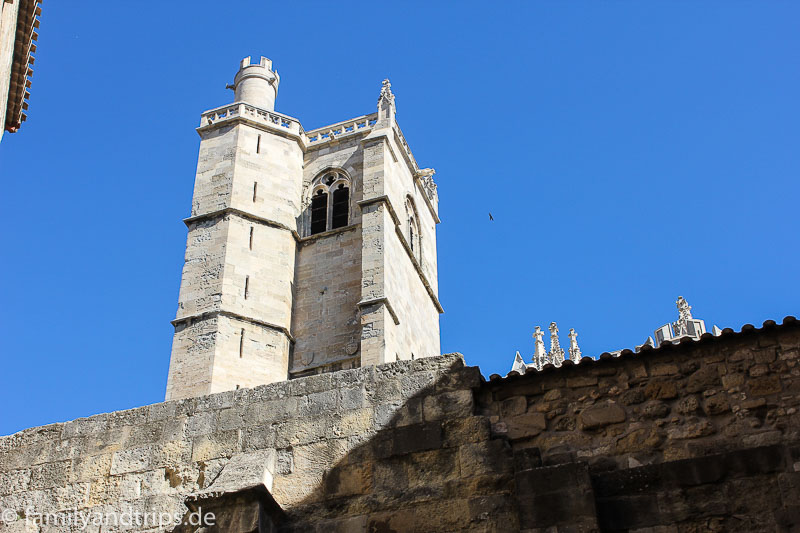 Turm der Kathedrale in Narbonne.