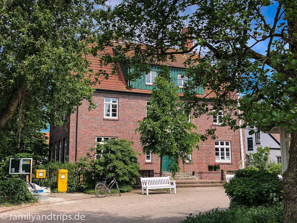 Das Rathaus der Insel Spiekeroog.
